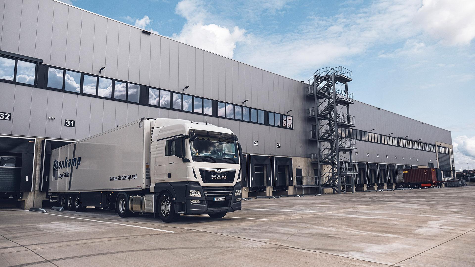 Stenkamp Transporte Sattelzug Logistik Lager Duisburg