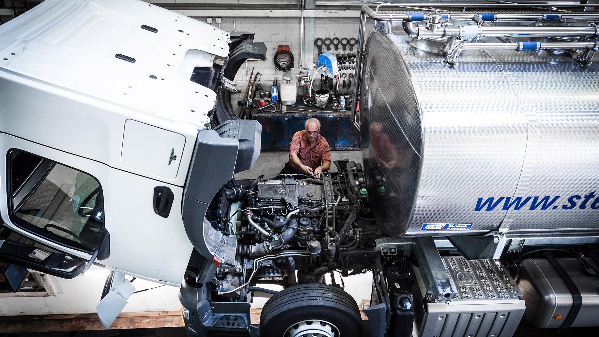 Stenkamp Werkstatt LKW reparieren Logistik Borken Duisburg Lebensmittel Lager Transport